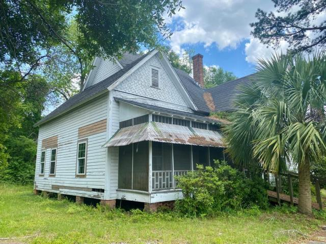 House view featured at 705 Stephenson St, Waycross, GA 31501