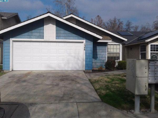 1348 E Sunnyview Ave, Visalia, CA 93292 - realtor.com®