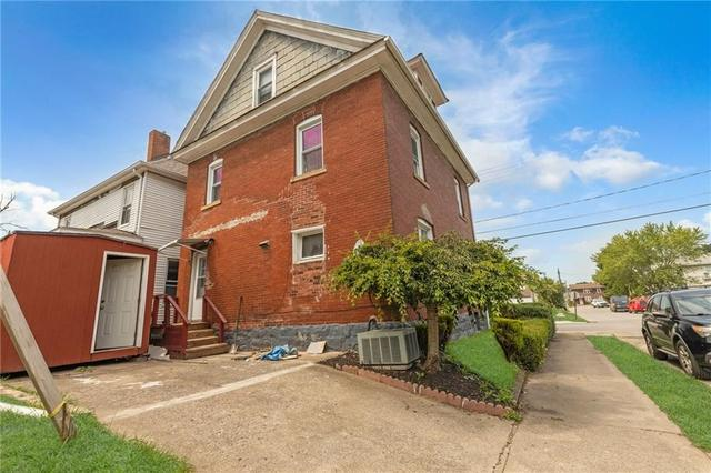 Road view featured at 608 Chestnut St, New Castle, PA 16101