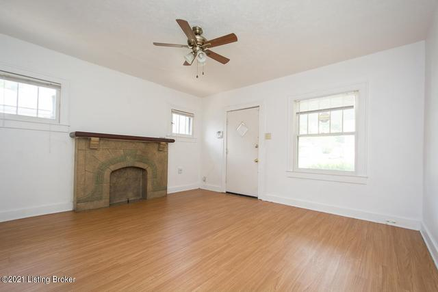 Living room featured at 3520 Herman St, Louisville, KY 40212