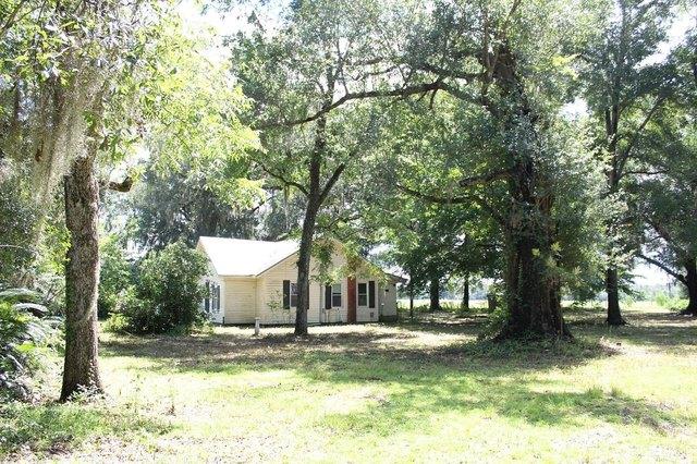Yard featured at 2955 SW SR 14 Hwy, Madison, FL 32340