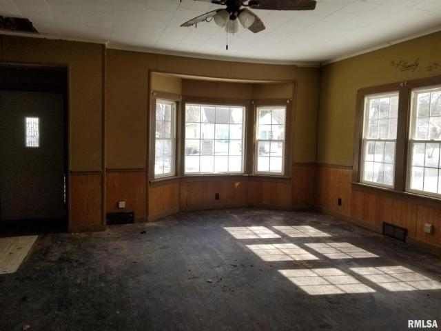 Property featured at 406 N Madison St, West Frankfort, IL 62896