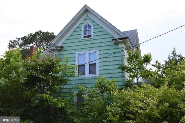House view featured at 7 W Main St, Crisfield, MD 21817