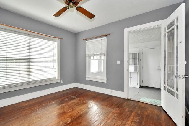Bedroom featured at 4835 16th St, Zephyrhills, FL 33542