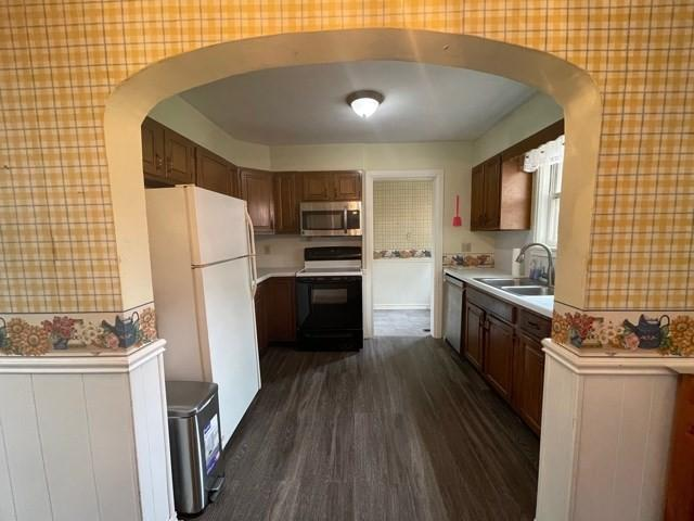 Kitchen featured at 217 S 12th St, Independence, KS 67301