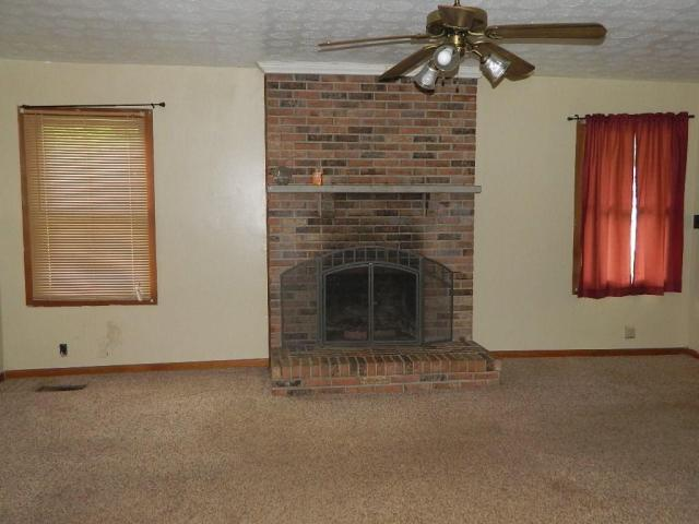 Living room featured at 64 Parkway Dr, Williamson, WV 25661