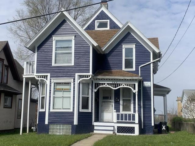 Porch featured at 329 S Prospect St, Rockford, IL 61104