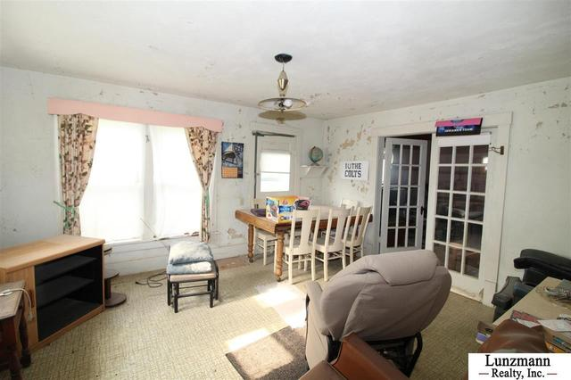 Living room featured at 72558 642A Ave, Auburn, NE 68305