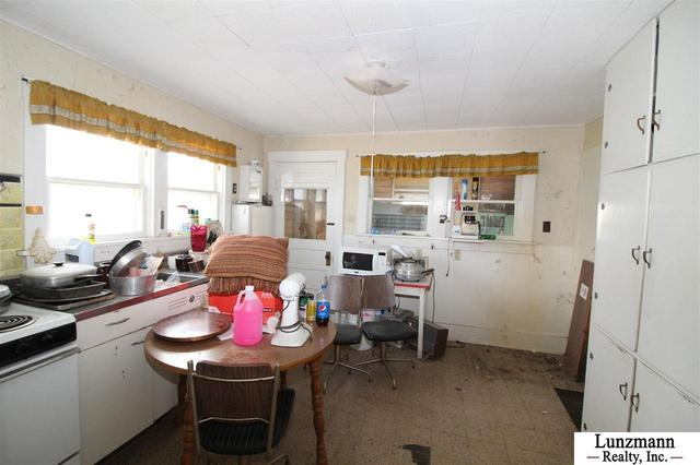 Dining room featured at 72558 642A Ave, Auburn, NE 68305