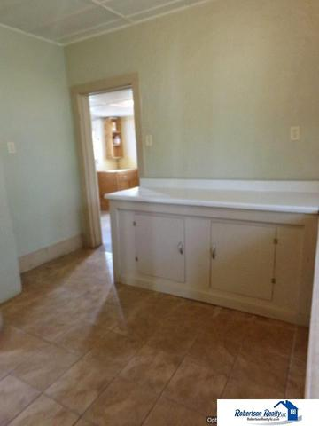Bathroom featured at 721 S 9th St, Beatrice, NE 68310