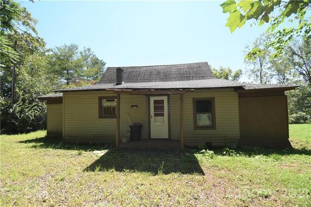 House view featured at 124A Wayside Pl NE, Lenoir, NC 28645