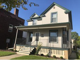 "<div></img>1648 Kearney Ave</div><div>Racine, Wisconsin 53405</div>"" data-original=""/img/cdn/assets/layout/patch_white_bg.jpg"" data-recalc-dims=""1″></a></figure><div class="