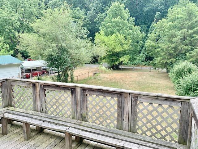 Porch yard featured at 629 Roxbury St, Clifton Forge, VA 24422