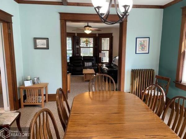 Dining room featured at 807 N 8th St, Burlington, IA 52601