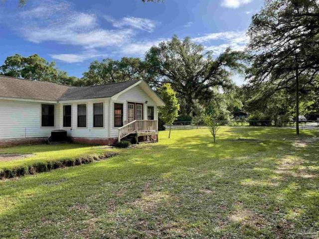 House view featured at 4560 Trice Rd, Milton, FL 32571