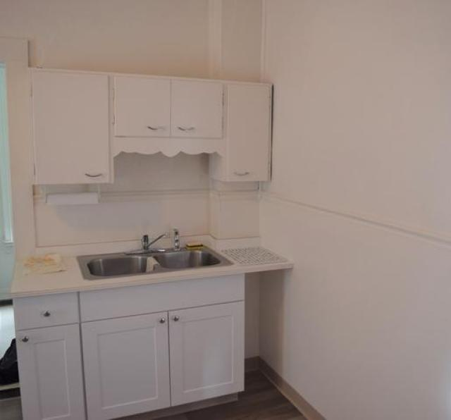 Kitchen featured at 328 Pacific St, Franklin, PA 16323