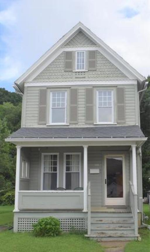 Porch featured at 328 Pacific St, Franklin, PA 16323