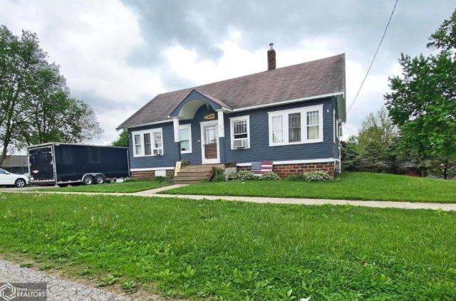 House view featured at 123 Highland Ave, Dumont, IA 50625