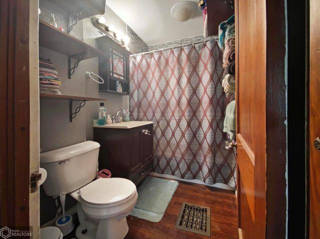 Bathroom featured at 123 Highland Ave, Dumont, IA 50625