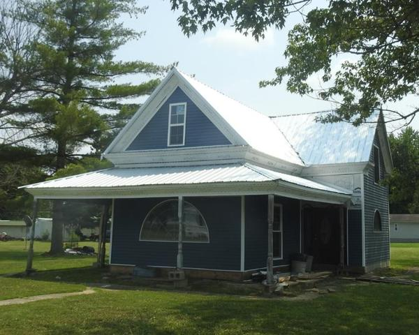 Porch featured at 405 5th St, Centertown, KY 42328