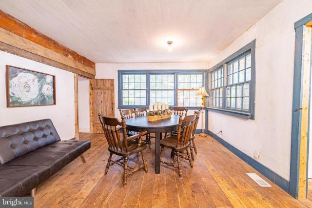 Dining room featured at 940 Ye Greate St, Greenwich, NJ 08323