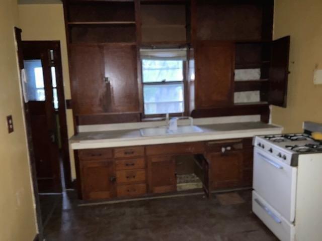 Kitchen featured at 409 Walnut St SW, Sleepy Eye, MN 56085