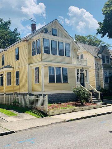 Photo of 16 Vaughan Ave, Newport, RI 02840