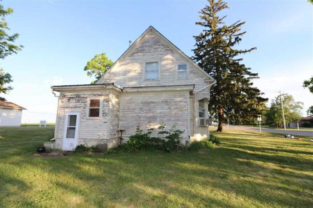 House view featured at 101 E High St, Linn Grove, IA 51033