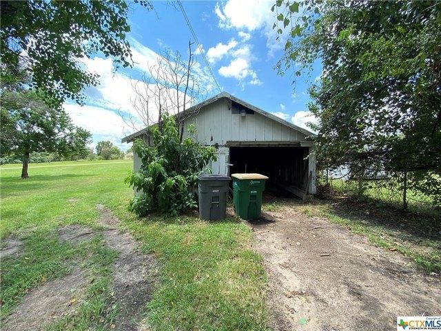 Farm land featured at 2109 S Laurent St, Victoria, TX 77901