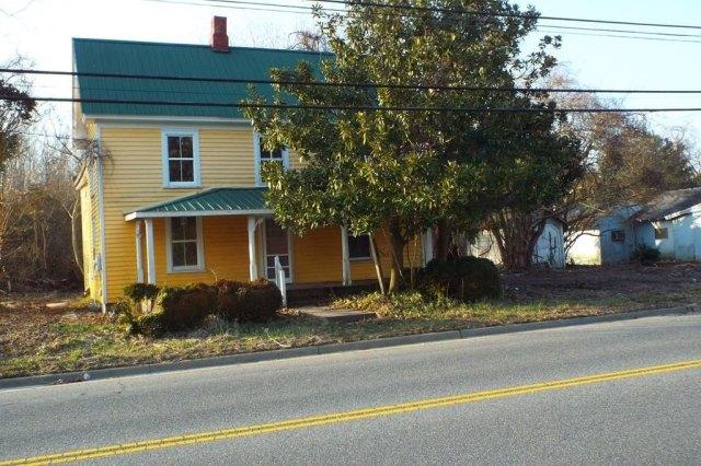 Road view featured at 10008 Atlantic Rd, Atlantic, VA 23303
