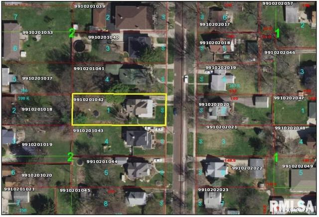 Property featured at 982 N Cedar St, Galesburg, IL 61401