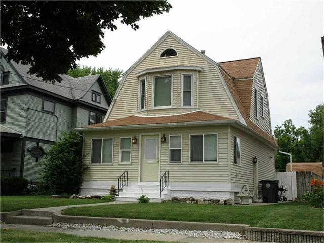 Porch featured at 1220 W 3rd St, Waterloo, IA 50701