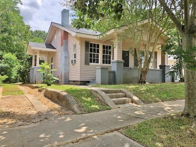 Yard featured at 428 Howe St, McComb, MS 39648