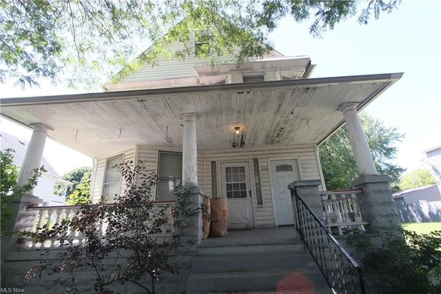 Porch featured at 3126 W 82nd St, Cleveland, OH 44102