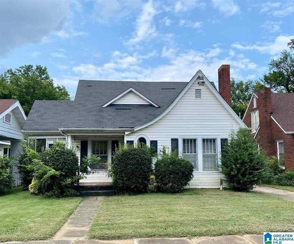 House view featured at 917 7th Pl SW, Birmingham, AL 35211