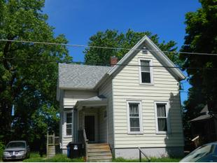 "<div></img>408 Cliff Ave</div><div>Racine, Wisconsin 53404</div>"" data-original=""/img/cdn/assets/layout/patch_white_bg.jpg""></a></figure><div class="