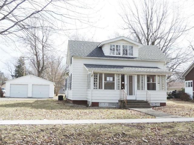 House view featured at 114 S College St, Blue Mound, IL 62513
