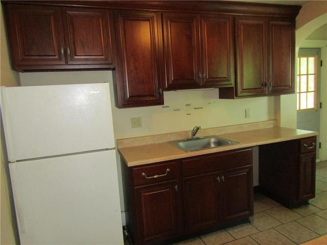 Kitchen featured at 1202 Franklin St, Johnstown, PA 15905