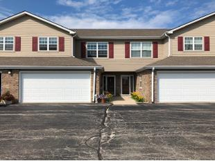 "<div></img>853 Stonefield Dr Unit 306</div><div>Mount Pleasant, Wisconsin 53406</div>"" data-original=""/img/cdn/assets/layout/patch_white_bg.jpg""></a></figure><div class="