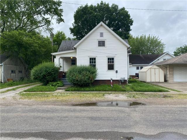 House view featured at 106 E Carroll St, Paris, IL 61944