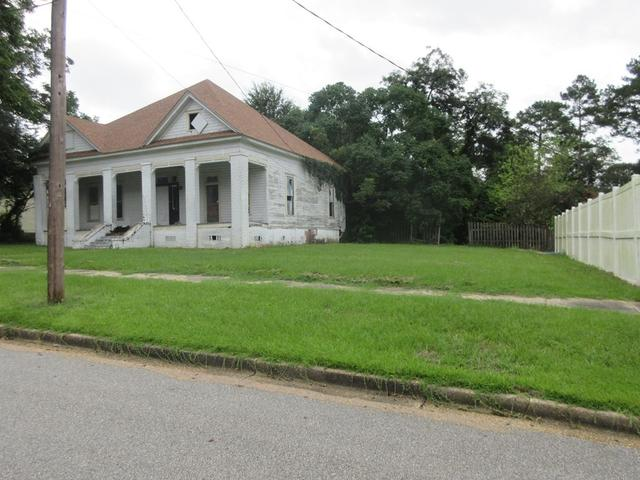 House view featured at 333 Fleming St, Brundidge, AL 36010