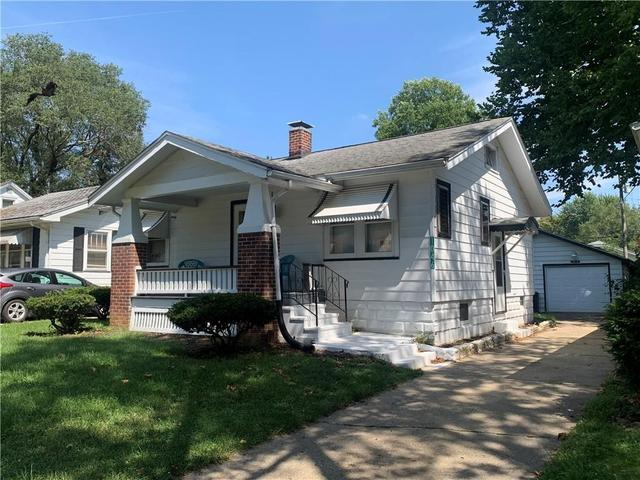 House view featured at 1046 N Hill Ave, Decatur, IL 62522