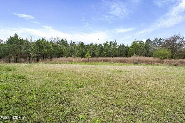 Farm land featured at 716 Hallsboro Rd N, Clarkton, NC 28433