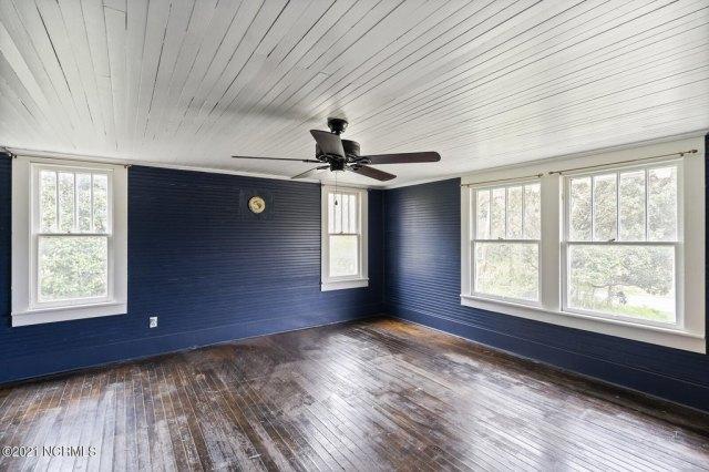 Property featured at 716 Hallsboro Rd N, Clarkton, NC 28433