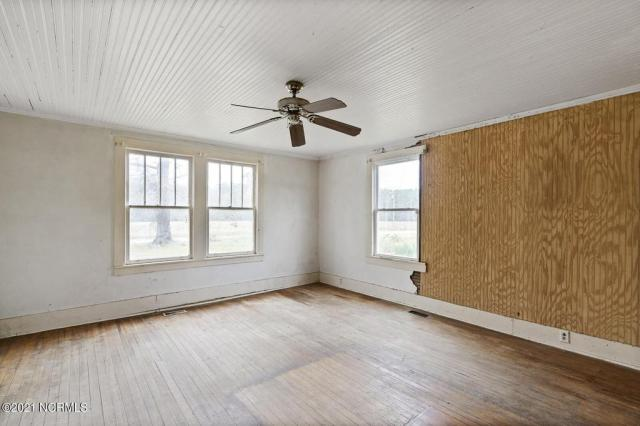 Bedroom featured at 716 Hallsboro Rd N, Clarkton, NC 28433