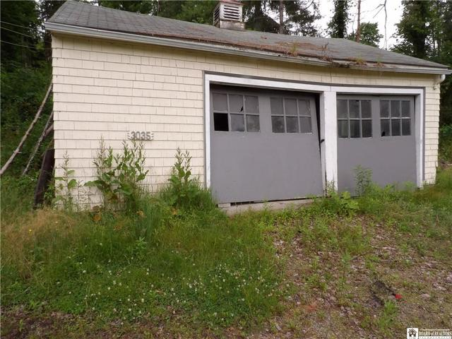 Garage featured at 3035 Route 394, Ashville, NY 14710