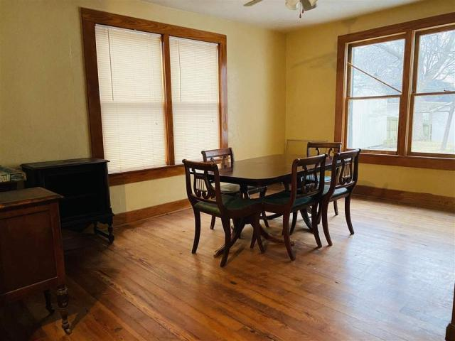 Dining room featured at 712 S College St, Trenton, TN 38382