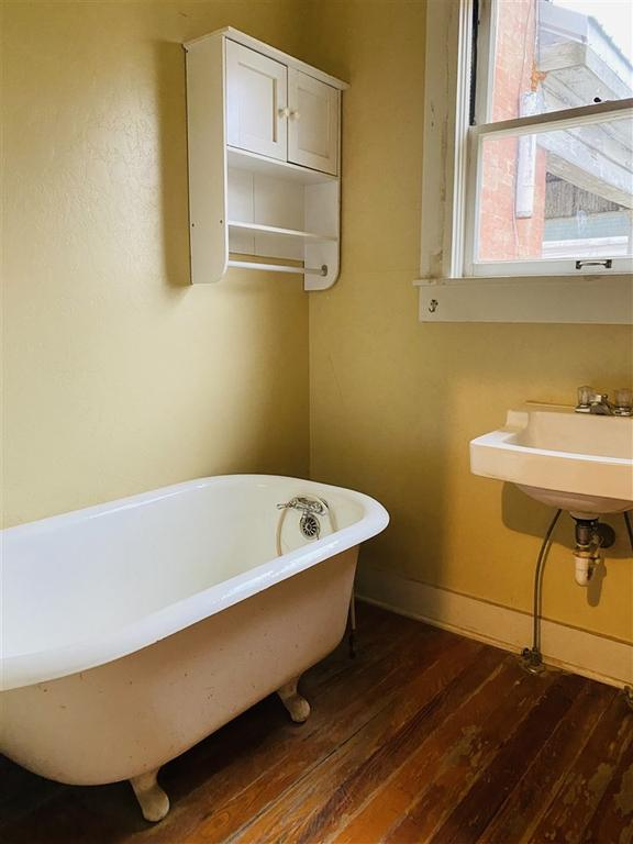 Bathroom featured at 712 S College St, Trenton, TN 38382