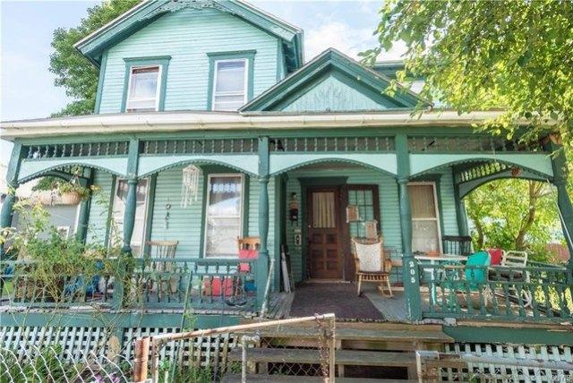 Porch featured at 205 Barrett St, Syracuse, NY 13204