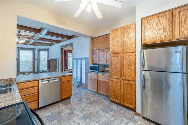 Kitchen featured at 700 Prairie St, Guthrie Center, IA 50115
